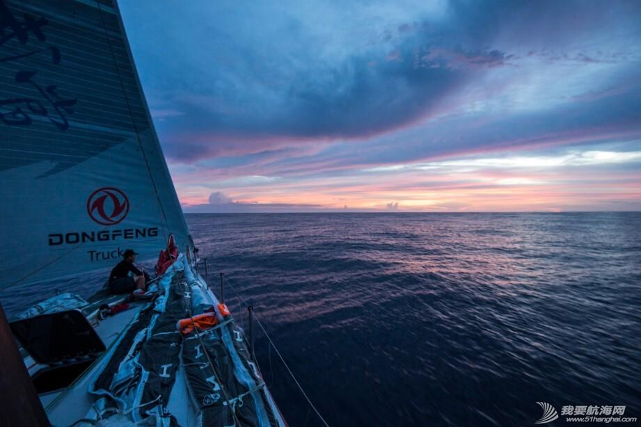 """中国船员,南太平洋,阿布扎比,沃尔沃,新西兰 南太平洋""""大混战"""",三船同纬度起跑"""