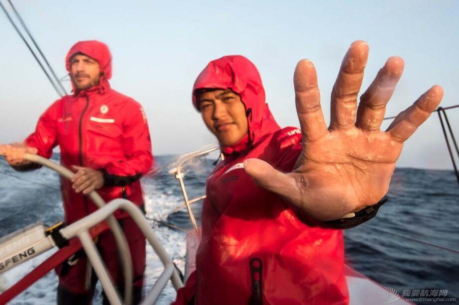 中国船员,沃尔沃,新西兰,爱尔兰,奥克兰 刘学替换下因伤无法上场的陈锦浩,与杨济儒一同代表东风队征战第五分段赛