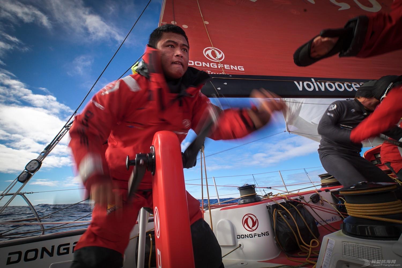 阿布扎比,沃尔沃,反应速度,比赛结果,戏剧性 东风队三小时内连续超越四支船队占据领先