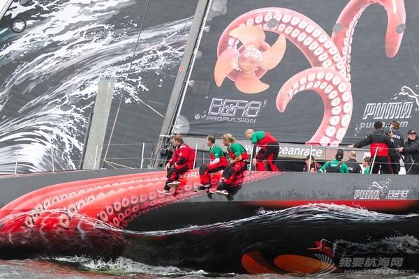 斯蒂凡,彪马,记录,帆船,栏杆 【视频】布鲁内尔队遭遇巨型章鱼袭击 随船记者冒生命危险记录惊魂一刻