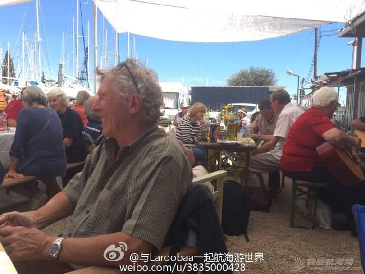航海在希腊正逢复活节,让更多的航海人聚到一起 175806lbrarggqqkbztijd.jpg