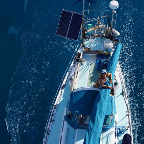 克拉克,小伙伴,美国,帆船,海洋 世界那么大,航海女侠克拉克召唤志同道合的小伙伴一同航行。 3.jpg