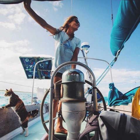 克拉克,小伙伴,美国,帆船,海洋 世界那么大,航海女侠克拉克召唤志同道合的小伙伴一同航行。 2.jpg