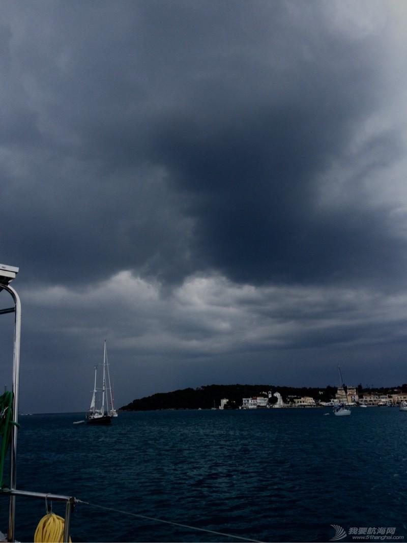 雷雨交加的午后 032458b8q3amqlppqvv8pn.jpg