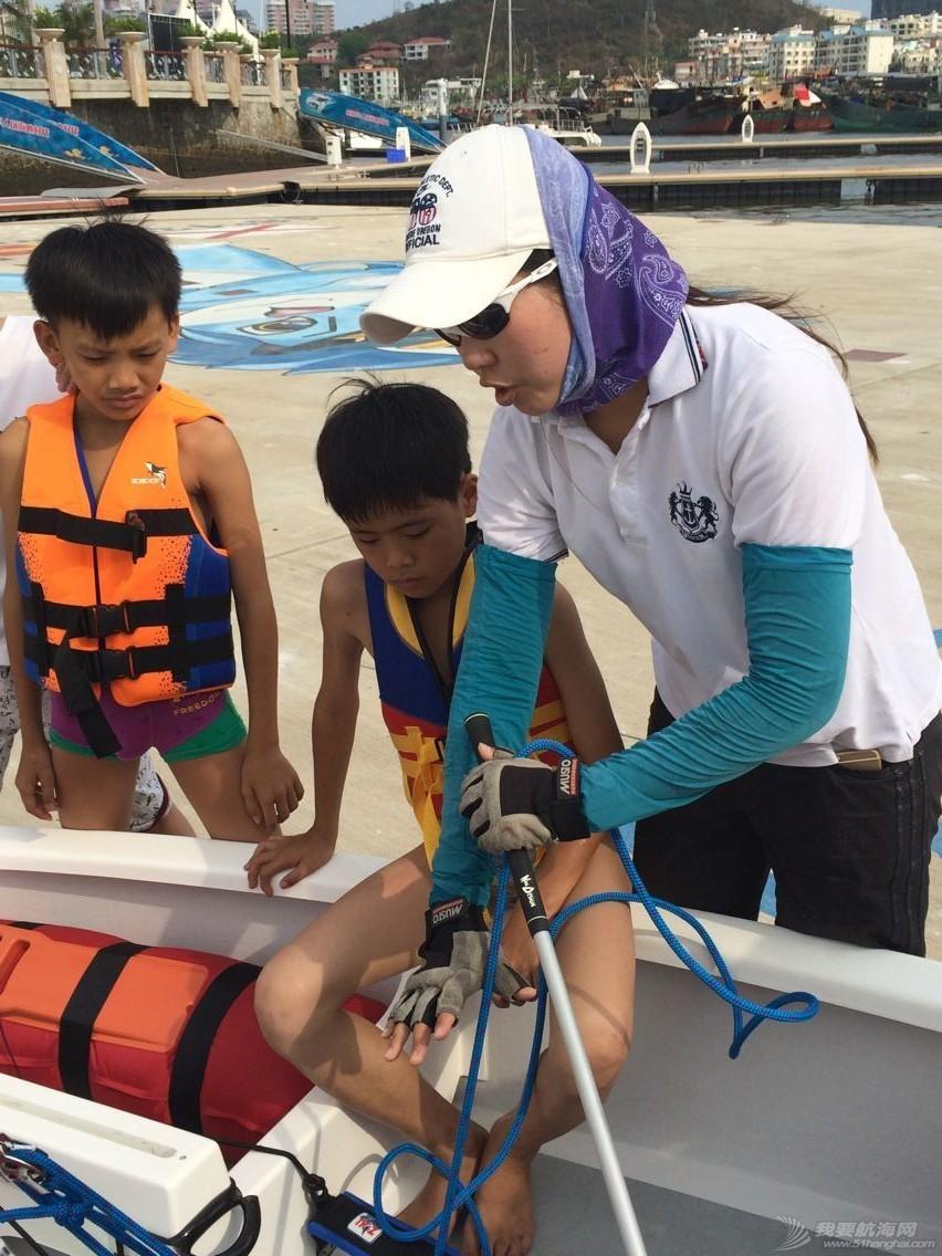 鸿洲国际游艇会帮扶渔民子女OP级帆船培训班,今天正式开课! a5be8a550008459dc0b88dd733393c9c.jpg
