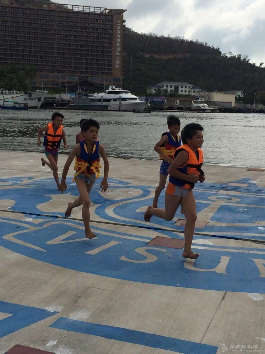 鸿洲国际游艇会帮扶渔民子女OP级帆船培训班,今天正式开课! af1d035042360a72ed00076e8b6b1adb.jpg