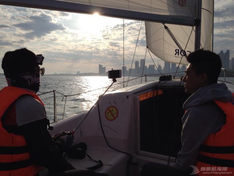今天下午青岛的海上 234850dpf32pedqwdeeu0e.jpg