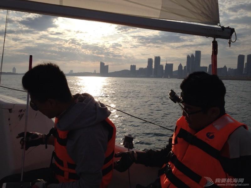 今天下午青岛的海上 235208w94ps498k4vrpkrz.jpg