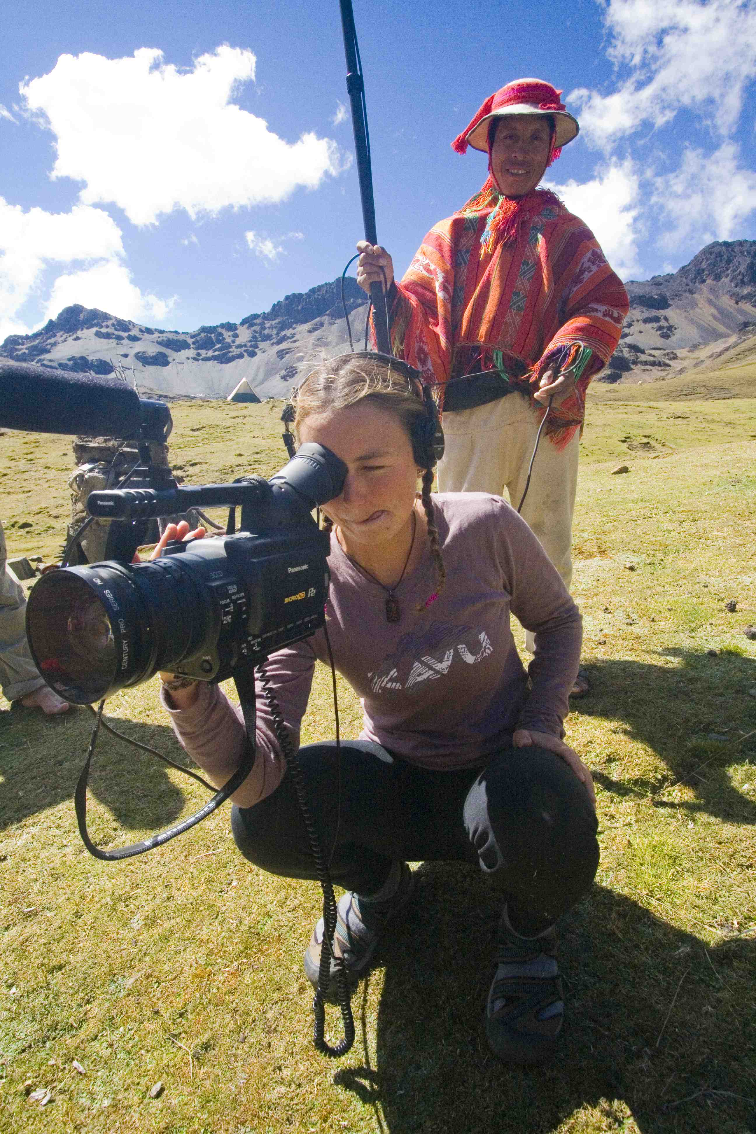 喜马拉雅山,科罗拉多州,夏威夷,人猿泰山,尼泊尔 她生来居无定所,却活出了最美丽的人生 f1b69efe631f8f7db184fabdf48032e2.jpg