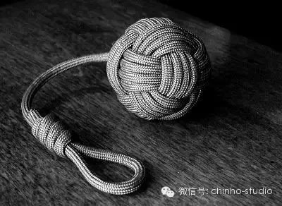 How to Tie a Monkey's Fist Knot 826f7dd693cb19b46333971c7012d28e.jpg
