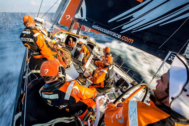 【视频+图片】最精彩十张照片带你回顾2014-15沃尔沃环球帆船赛九个月的难忘时光 d93d8d60d8b7c17ece7dcfd839dbb72e.jpg