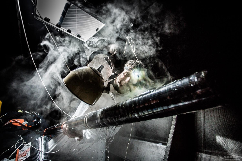 【视频+图片】最精彩十张照片带你回顾2014-15沃尔沃环球帆船赛九个月的难忘时光 db8ab1d918a46942cf5b280049ca3b9b.jpg