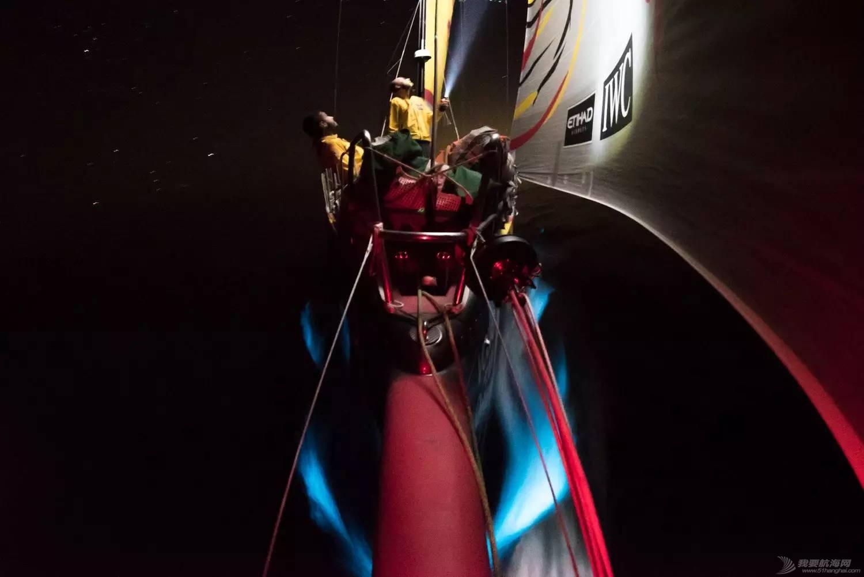 【视频+图片】最精彩十张照片带你回顾2014-15沃尔沃环球帆船赛九个月的难忘时光 da0672ba9daee5423232f2b3dd136974.jpg