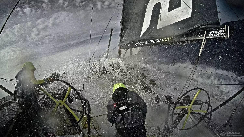 【视频+图片】最精彩十张照片带你回顾2014-15沃尔沃环球帆船赛九个月的难忘时光 bf8bd8078b2301f8e844faf33612b83d.jpg