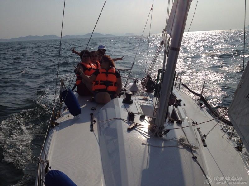 帆船的球帆做前帆,流速两节 221247r60dv7imnot6omi7.jpg