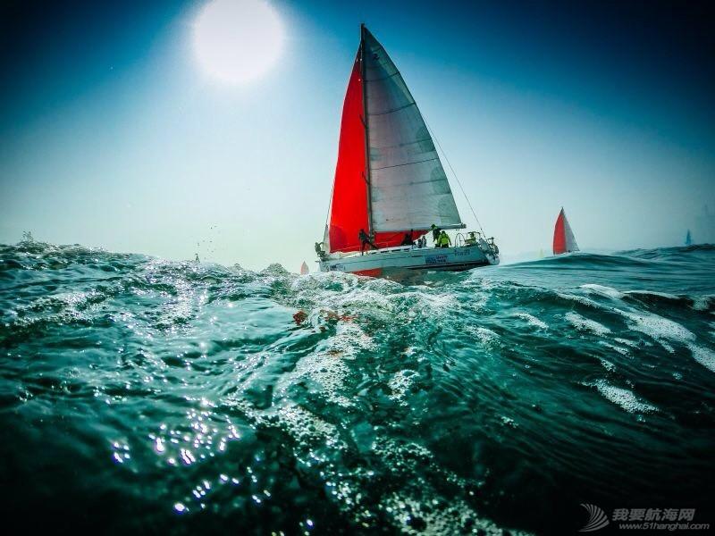 帆船比赛中的起航 121918x60cth6q0jh47cv7.jpg