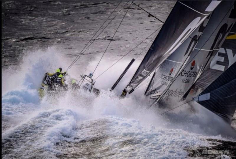 帆船比赛中的起航 122442b6dqrq1f3rsu3pis.jpg
