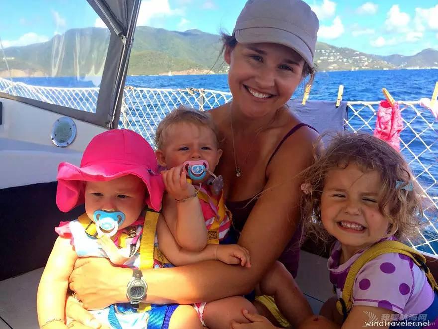 美国一对夫妇在海上漂流四海为家,这时候他们三个小孩出生了。。 d12813ba492caf3d36b834f168a97cb5.jpg