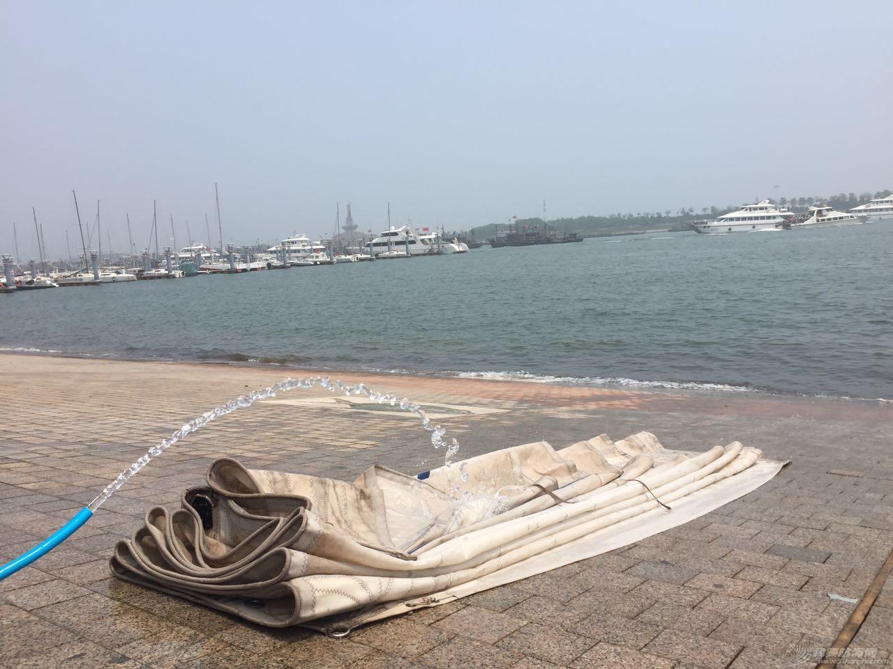 日记,日照,志愿者,大气,地板 【公益航海志愿者日记@日照】Day12这样高端大气的珐伊26,你见过吗 刷帆.jpg
