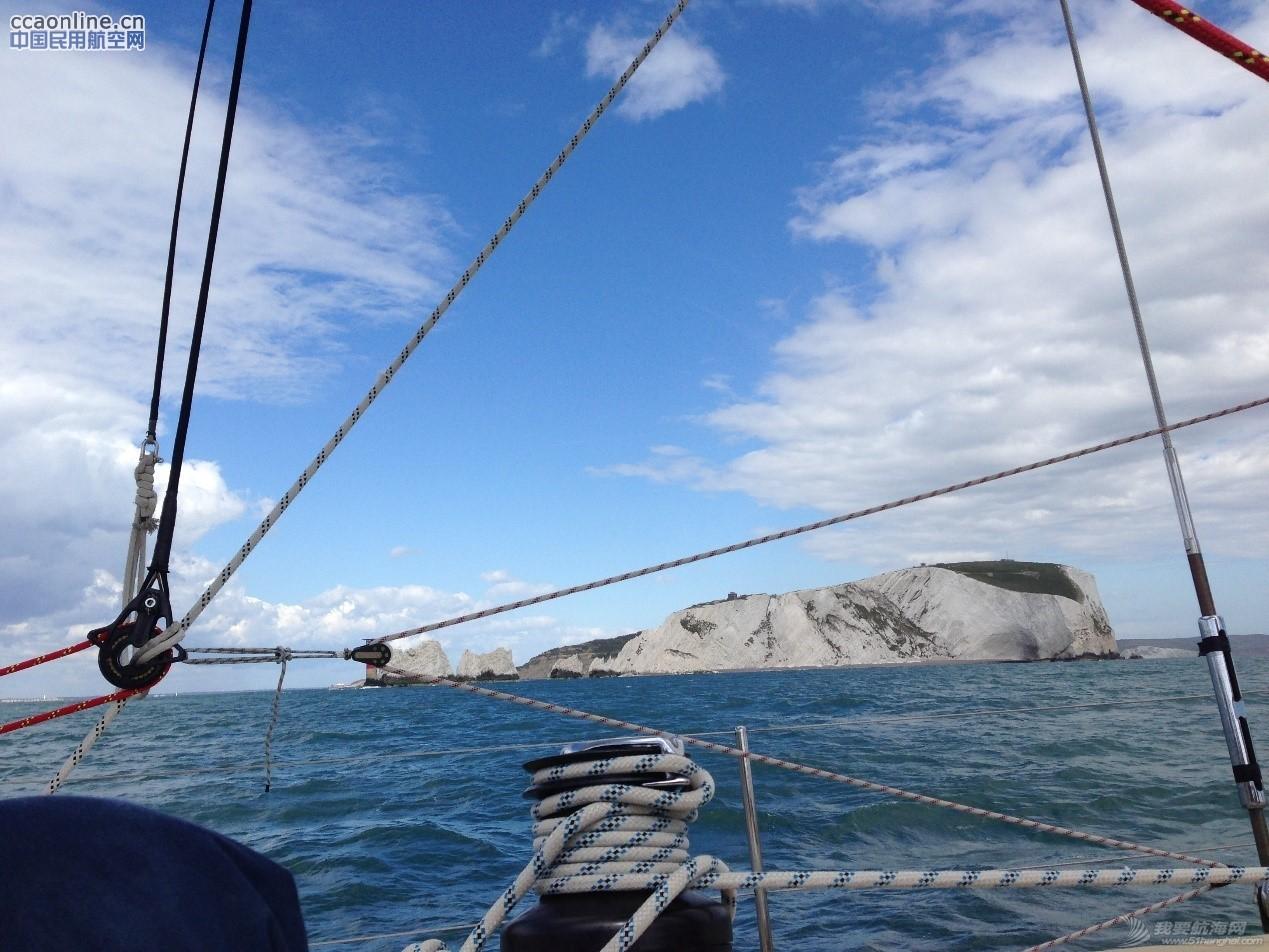 克利伯帆船赛归来,揭秘帆船上的训练与生活。 62ac3f7b351f34dd9b58cf2f47054360.jpg