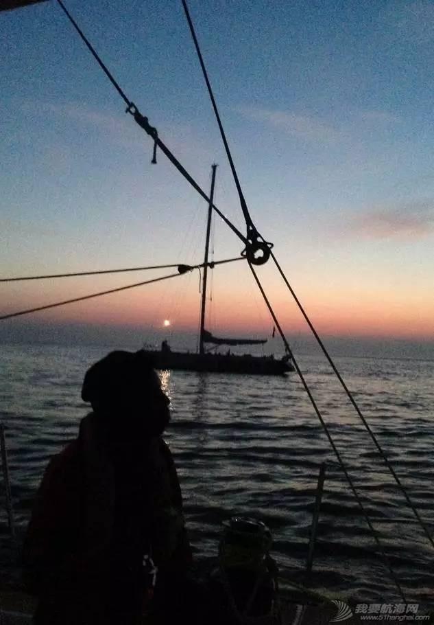 克利伯帆船赛归来,揭秘帆船上的训练与生活。 2a997eeafdf9c49d44c7843cd3d2e731.jpg