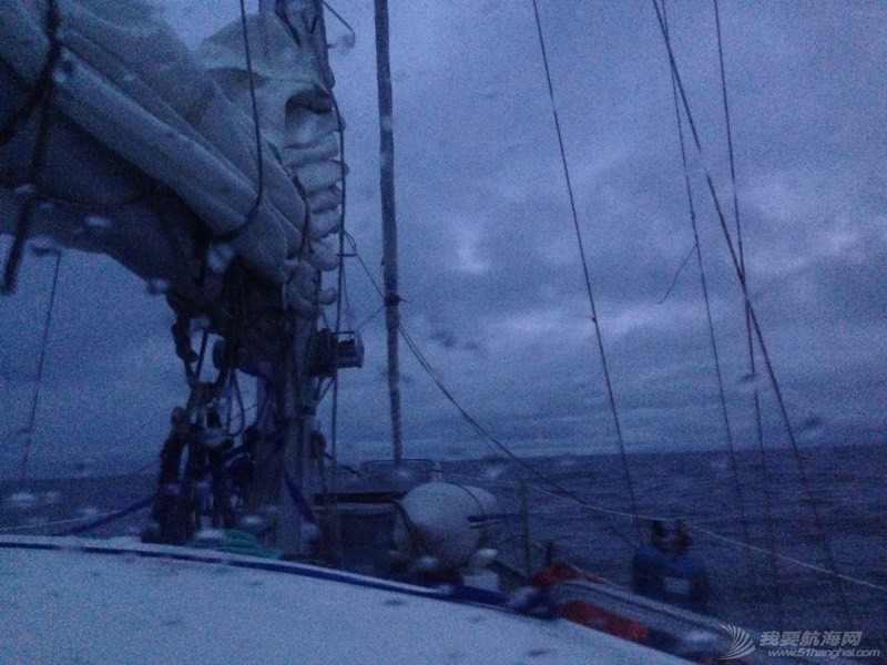我们与风浪抗争的24 小时里 054602u1fu2kd9db9ccbe2.jpg