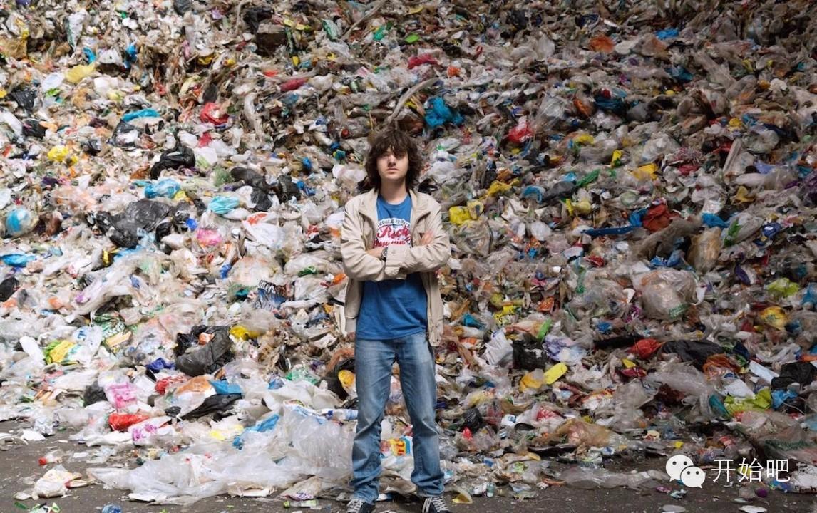 夏威夷,矿泉水瓶,海天一色,塑料袋,下水道 他才21岁,却要改变这个世界,因为大海被人弄脏了 84ef2c8a6f2a7de38bf200043af54a50.jpg