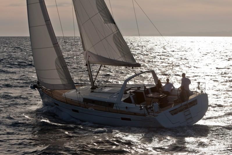 博纳多OCEANIS 45现船到港,静候未来的主人。 OCEANIS45_0449.jpg