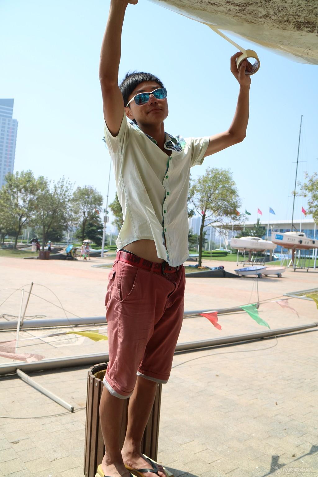 【公益航海志愿者日记@日照】Day34-小别两日返回日照。今日刷船底漆,安装桅杆 IMG_5786_副本.jpg