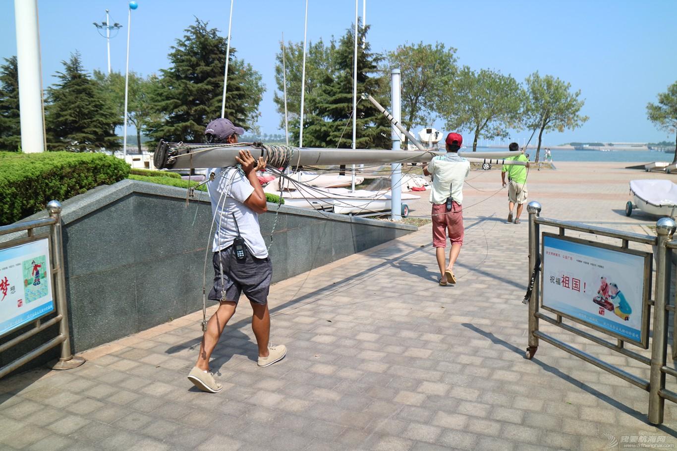 【公益航海志愿者日记@日照】Day34-小别两日返回日照。今日刷船底漆,安装桅杆 IMG_5794_副本.jpg