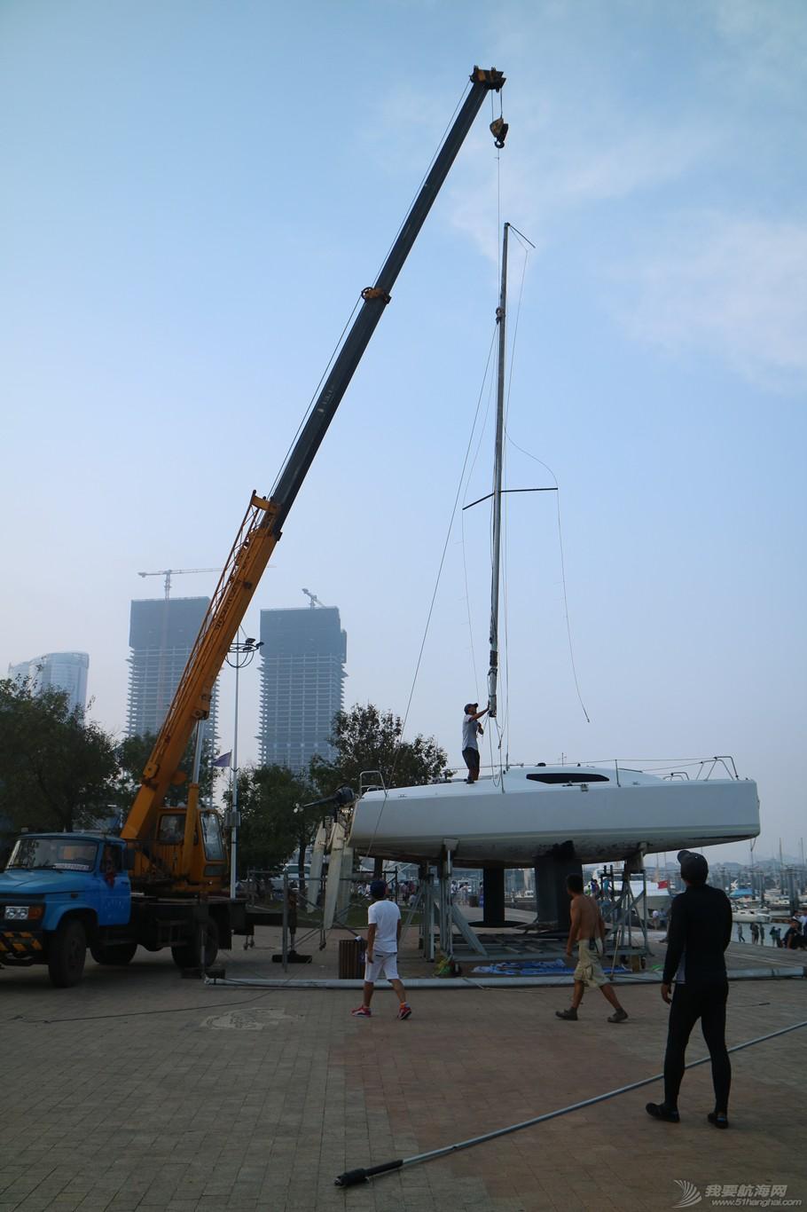 【公益航海志愿者日记@日照】Day34-小别两日返回日照。今日刷船底漆,安装桅杆 IMG_5866_副本.jpg