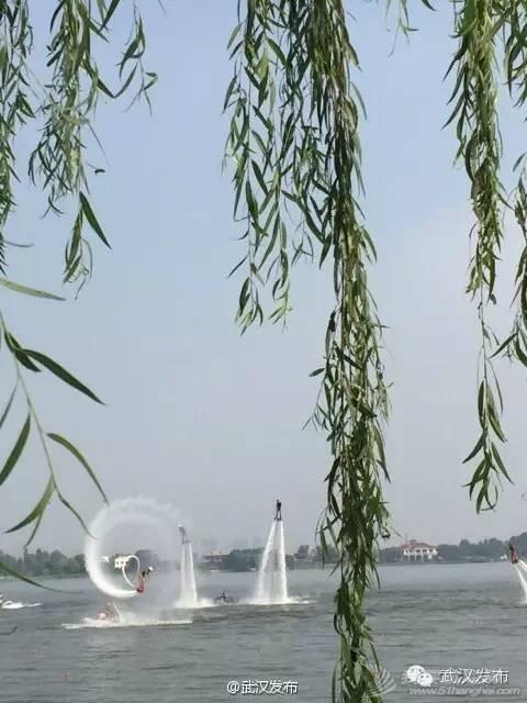 """武汉市,武汉大学,阿姆斯特朗,意大利,水上运动 2015武汉""""大美东湖""""国际名校赛艇挑战赛今日举行 2936457192f439901bd58b37d6b9c671.jpg"""