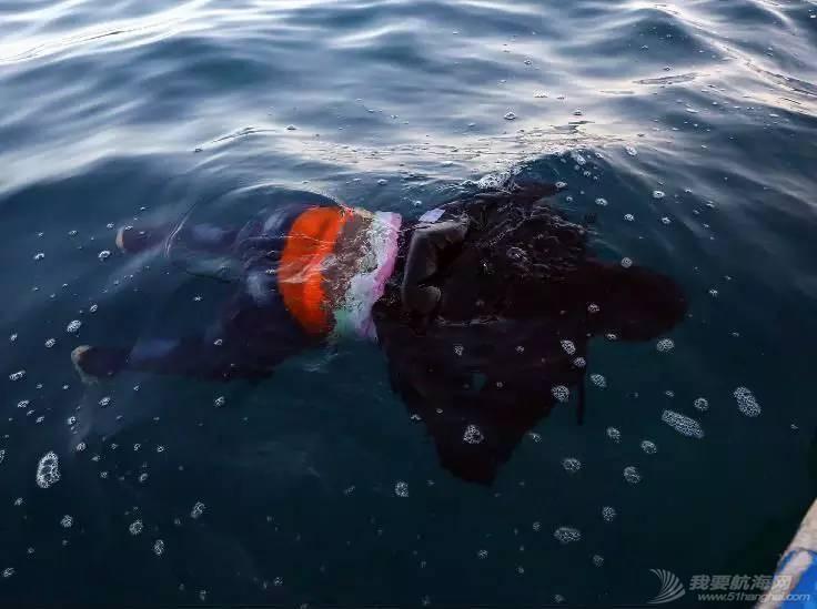利比亚难民,意大利,遇难者遗体,沉船事故,地中海 【盘点】近年来全球重大沉船事故丨港口圈 a59b49a41ce35ff15d9fbd3dfb8763dc.jpg