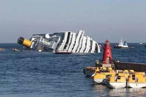 利比亚难民,意大利,遇难者遗体,沉船事故,地中海 【盘点】近年来全球重大沉船事故丨港口圈 7eb1957680832b36f1c0252b17f85202.jpg