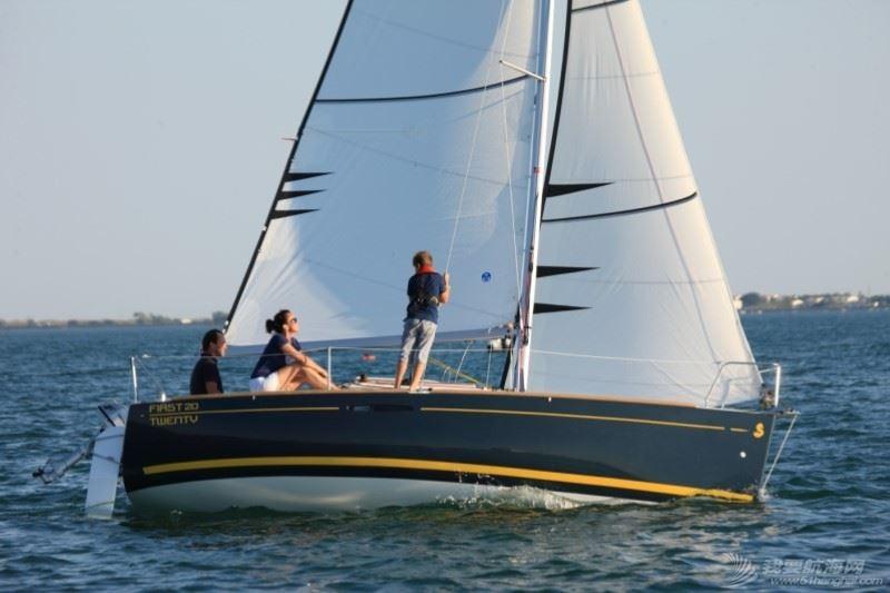 帆船 Beneteau First 20 博纳多锋士20英尺单体帆船 nav2.jpg