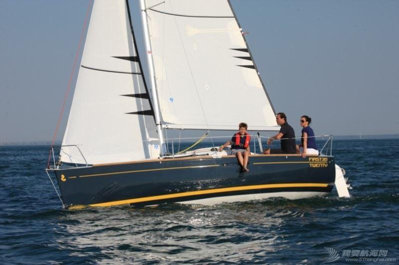 帆船 Beneteau First 20 博纳多锋士20英尺单体帆船 nav4.jpg