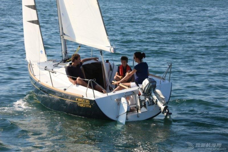 帆船 Beneteau First 20 博纳多锋士20英尺单体帆船 nav6.jpg