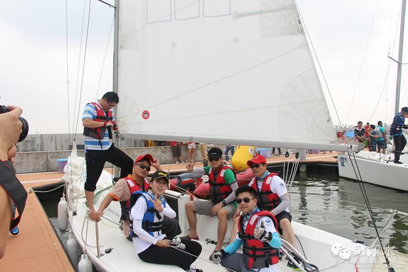 High到爆炸!首届临港杯帆船赛完美收官 63ba5ca2ebab71d4da28c26b89885342.jpg