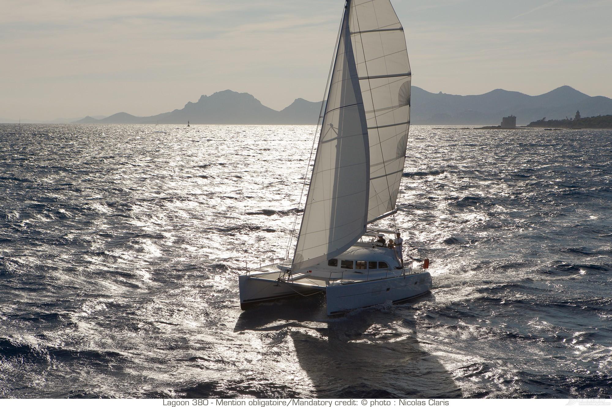 帆船 lagoon 380 蓝高380双体帆船 nav_L380_45R2609.jpg