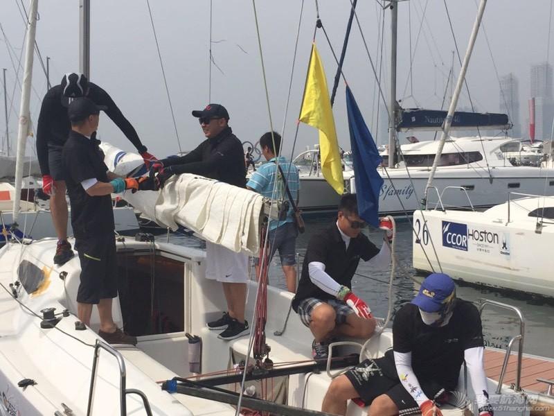 青岛的一个帆赛(夏季2K赛) 212445rmue5j6gop3mn5b4.jpg