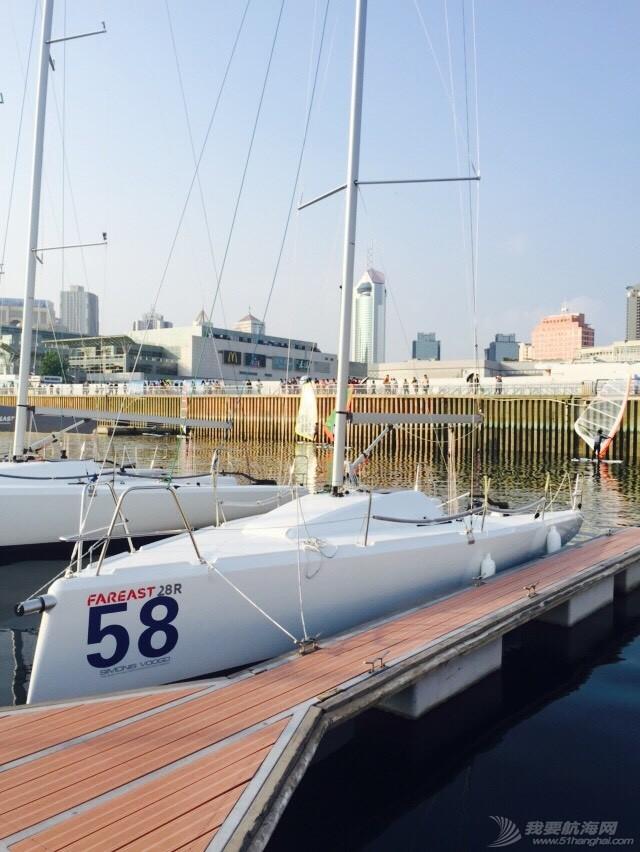 2015龙达帆船对抗赛赛前准备 214825hls9bdqo9at1l0tt.jpg