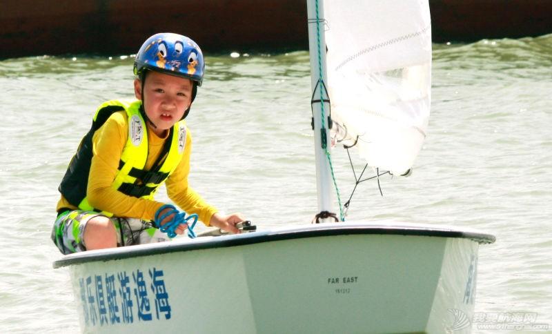 小船长,帆船 看看小船长们怎么驾驭OP帆船 海逸游艇俱乐部