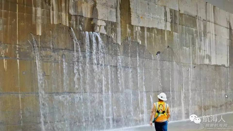 强烈关注:都是为了巴拿马运河新船闸的安全运营 cfa545c6461296030efea1648f7def36.jpg