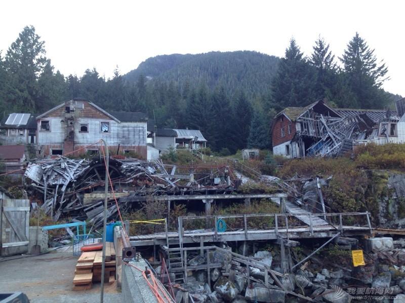 废墟上的小岛 042724t9w8j8m74u1zxmm3.jpg