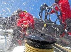 """新华社记者,中国船长,单打独斗,北冰洋,开拓者 深度揭秘 郭川团队为什么能够穿越""""死亡航道"""" 11.png"""
