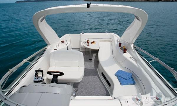 两艘贝莲娜335豪华运动艇现船出售 3358.jpg