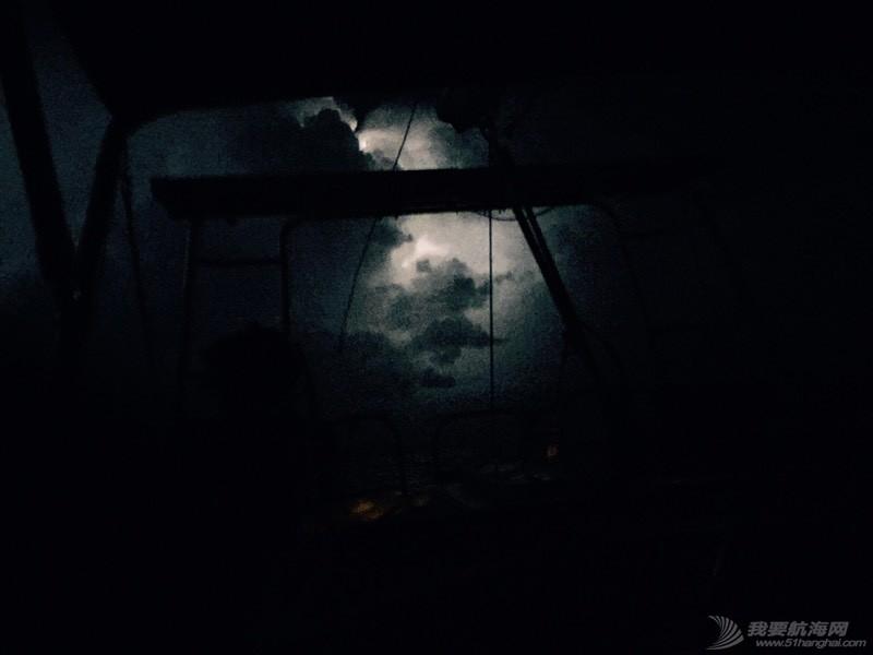 风暴 234447b875sio4yj89rztr.jpg