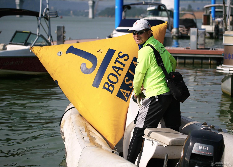 柳州 柳州杯上一枝花 给联系赛的船队放标.jpg