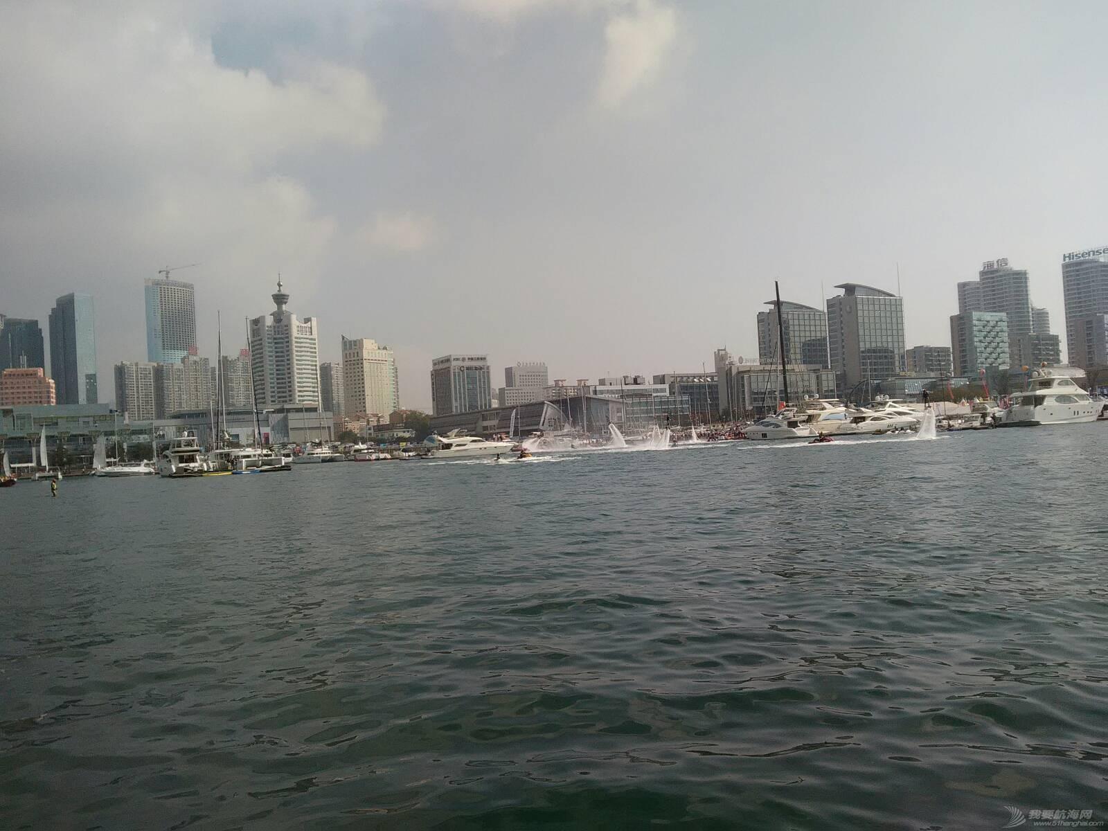 一上午好热闹的码头啊 134450jybiavc4u6dz84ao.jpg