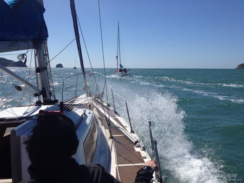 航海人员落水将如何救助--【一手为船,一手为自己】 110129yvq6nvn4akglnvyo.jpg